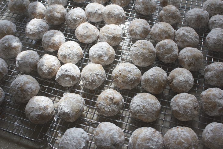 Mexican Wedding Cookies, Butterballs, Polvorones