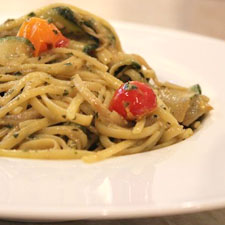 Linguine with Tomatoes, Zucchini, and Pesto