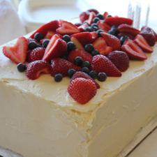 Vanilla Layer Cake with Fresh Berries